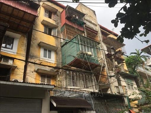 Hà Nội: Di dời các hộ dân ra khỏi các nhà chung cư cũ nguy hiểm