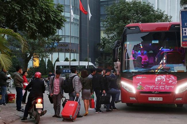 Tổ chức đưa 1.200 lao động có hoàn cảnh khó khăn về quê đón Tết Tân Sửu 2021