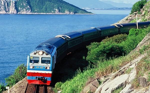 Ngành đường sắt tăng cường tàu khách dịp Tết 2021
