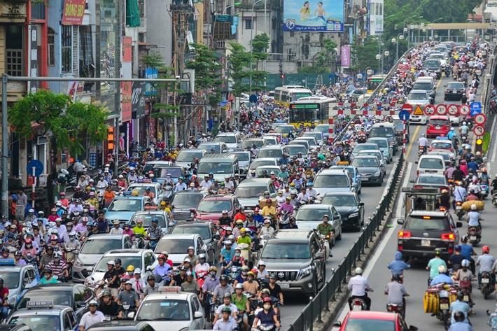 Hạn chế phương tiện cá nhân: Giải pháp tất yếu để giảm khí thải