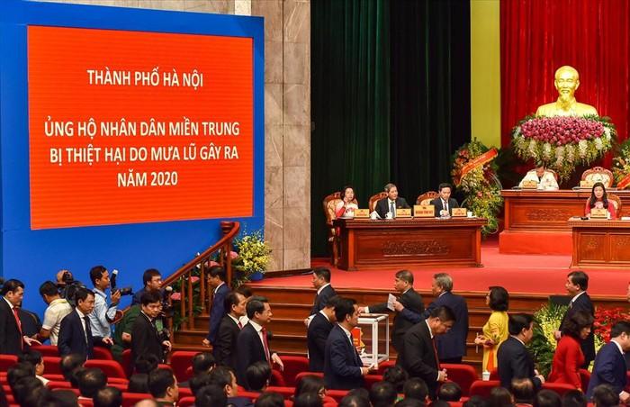 Thành ủy Hà Nội kêu gọi ủng hộ các tỉnh miền Trung bị thiệt hại do mưa lũ