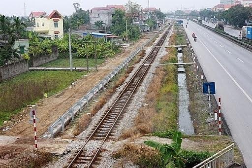 Hà Nội: Xử lý dứt điểm lối đi tự mở qua đường sắt