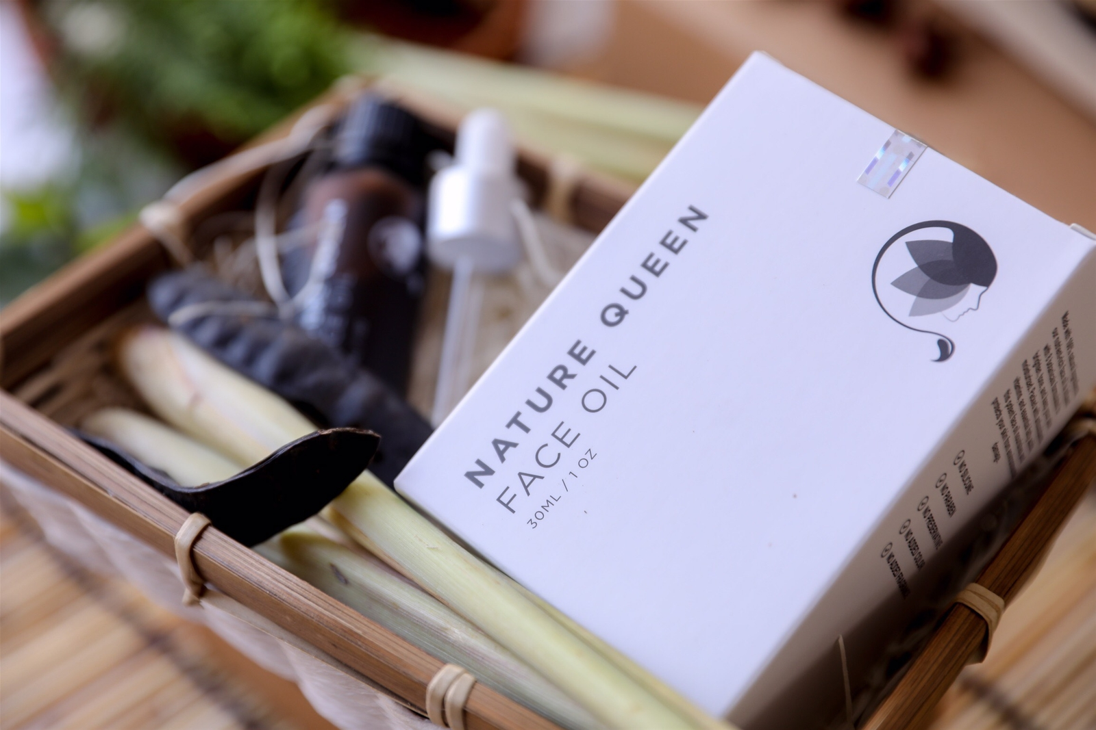 Serum siêu dưỡng Nature Queen Face Oil chinh phục phái đẹp tại thị trường Mỹ