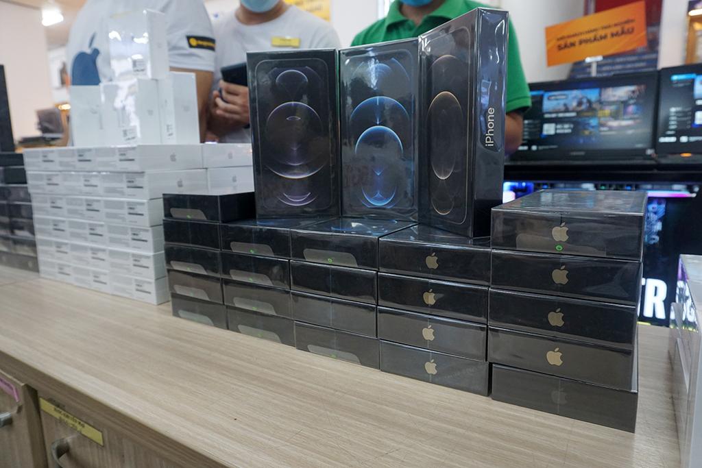 iPhone 12 chính hãng lập kỷ lục đặt hàng tại Việt Nam