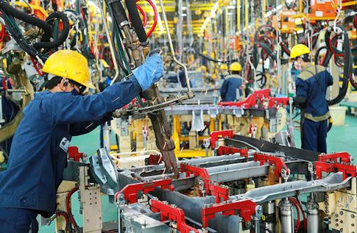 Năm 2021, kinh tế Việt Nam có thể phục hồi 7%