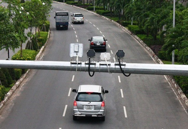 Từ ngày 15/12, CSGT sẽ ghi hình và dán thông báo phạt nguội lên kính xe