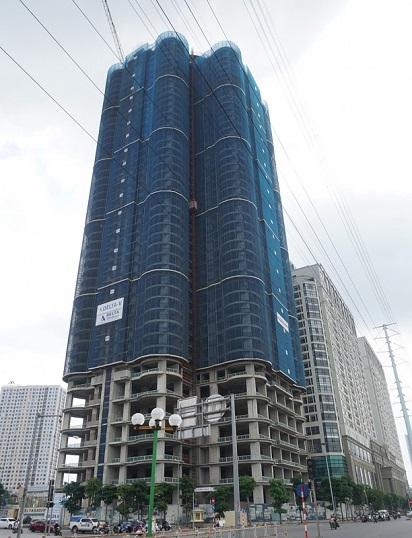 Nằm cạnh Tổ hợp chung cư Roman Plaza 800 căn hộ là Tòa nhà hỗn hợp dịch vụ Thương Mại và nhà ở QMS Tower cao 45 tầng.