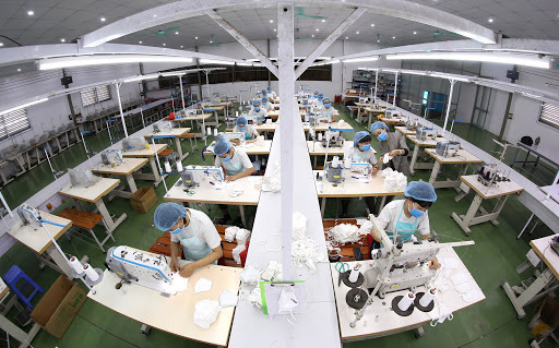 Sản xuất khẩu trang: Cơ hội trước mắt hay hướng đi lâu dài?