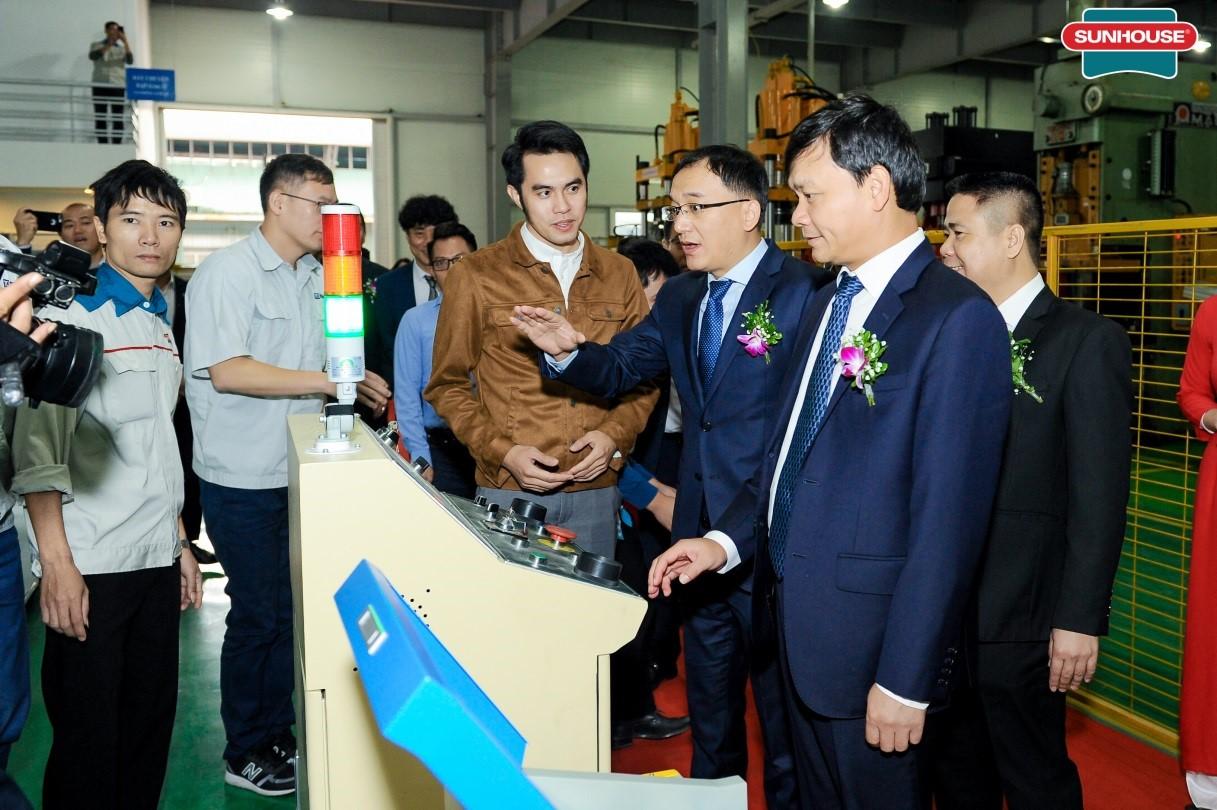 SUNHOUSE khánh thành dây chuyền sản xuất đèn LED