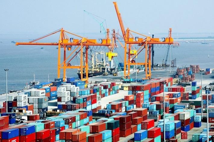 Việt Nam xuất siêu kỷ lục, đạt hơn 20 tỉ USD trong 11 tháng